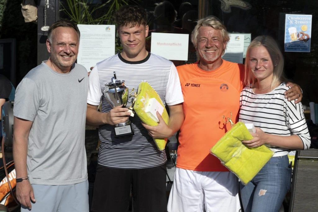 Siegerehrung (Thorsten Goldstein, Selina Fuchs & Phillip Dahmann, Wolfgang Runnebaum)